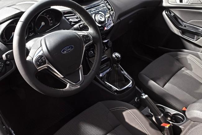 Ford Fiesta 2015 interior