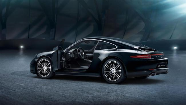 Porsche 911 Black Edition 2015 02