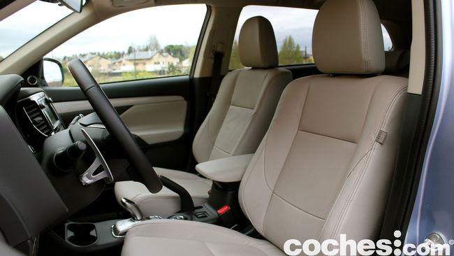 Prueba Mitsubishi Outlander PHEV 2015 interior 13