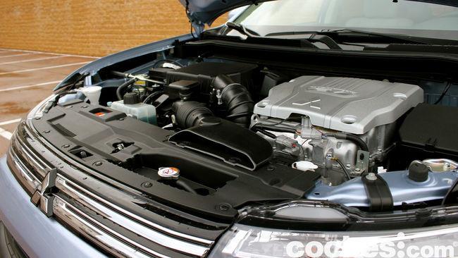 Prueba Mitsubishi Outlander PHEV 2015 motor