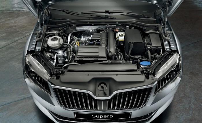 Skoda Superb Combi 2015 motor