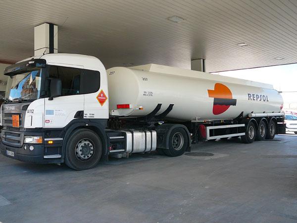 camion cisterna gasolinera