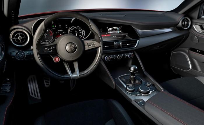 Alfa Romeo Giulia QV 2015 interior