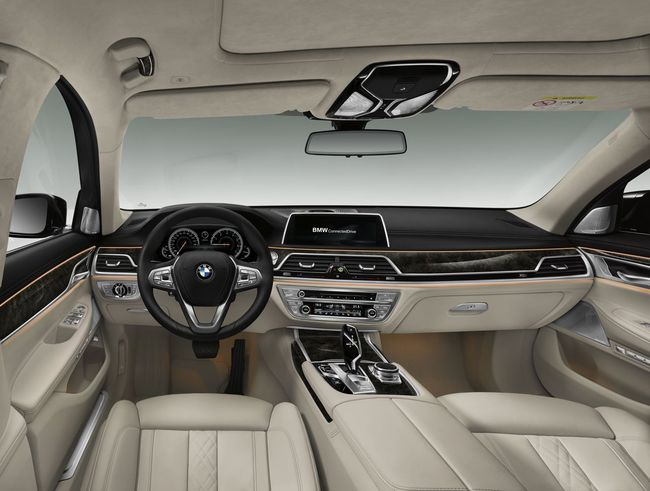 BMW Serie 7 2015 interior 01