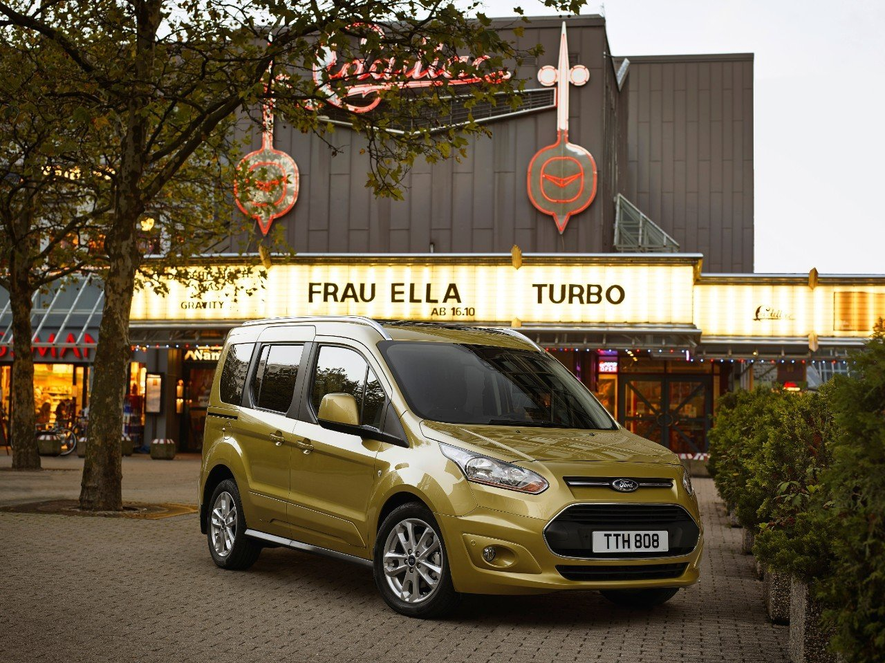 Ford Tourneo Connect 2016 02