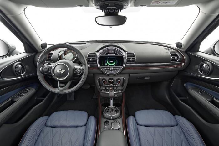 MINI Clubman 2015 interior 02