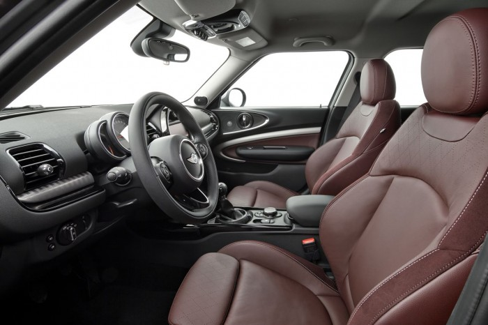 MINI Clubman 2015 interior 04
