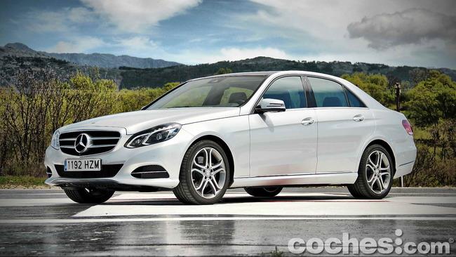 Mercedes_Benz_E_300_BlueTEC_HYBRID_010