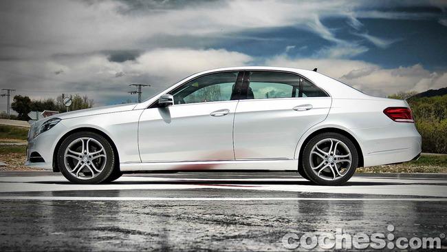 Mercedes_Benz_E_300_BlueTEC_HYBRID_011