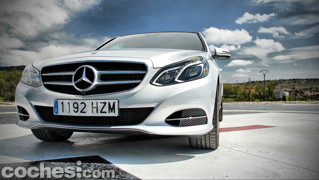 Mercedes_Benz_E_300_BlueTEC_HYBRID_022
