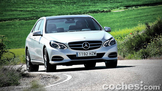 Mercedes_Benz_E_300_BlueTEC_HYBRID_077