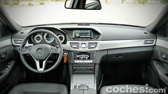 Mercedes_Benz_E_300_BlueTEC_HYBRID_078