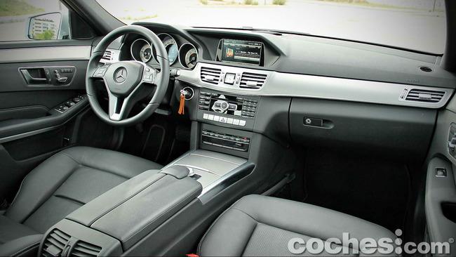 Mercedes_Benz_E_300_BlueTEC_HYBRID_081