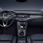 Opel Astra 2016 interior 01