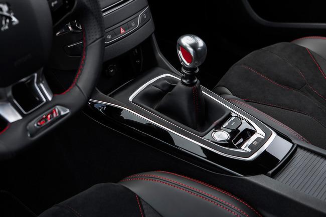 Peugeot 308 GTI 2015 interior 07