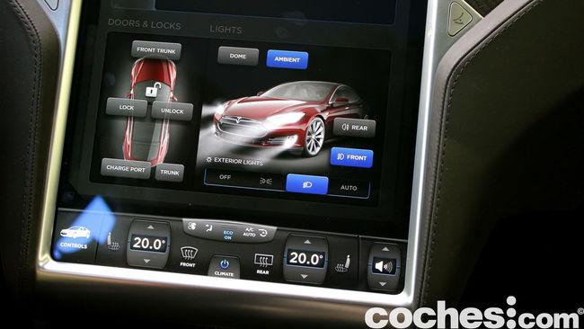 Tesla Model S prueba 2015 15