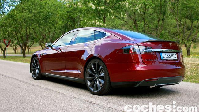 Tesla Model S prueba 2015 16