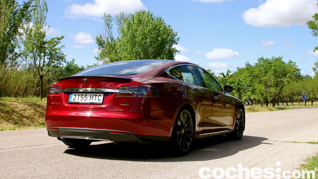 Tesla Model S prueba 2015 24