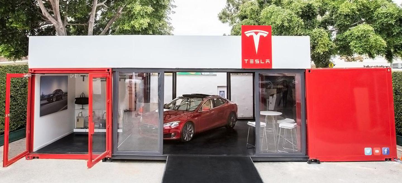 Tesla showroom portatil