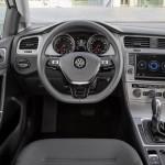 Volkswagen Golf Tsi Bluemotion 2015 interior 02