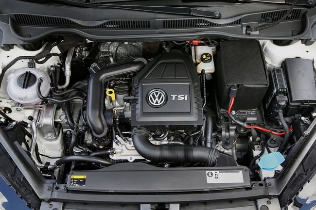 Volkswagen Golf Tsi Bluemotion 2015 motor 01