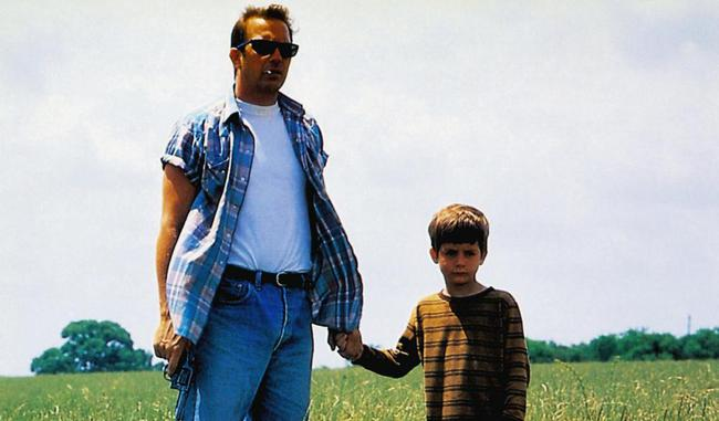 A PERFECT WORLD, from left: Kevin Costner, T.J. Lowther, 1993, © Warner Brothers
