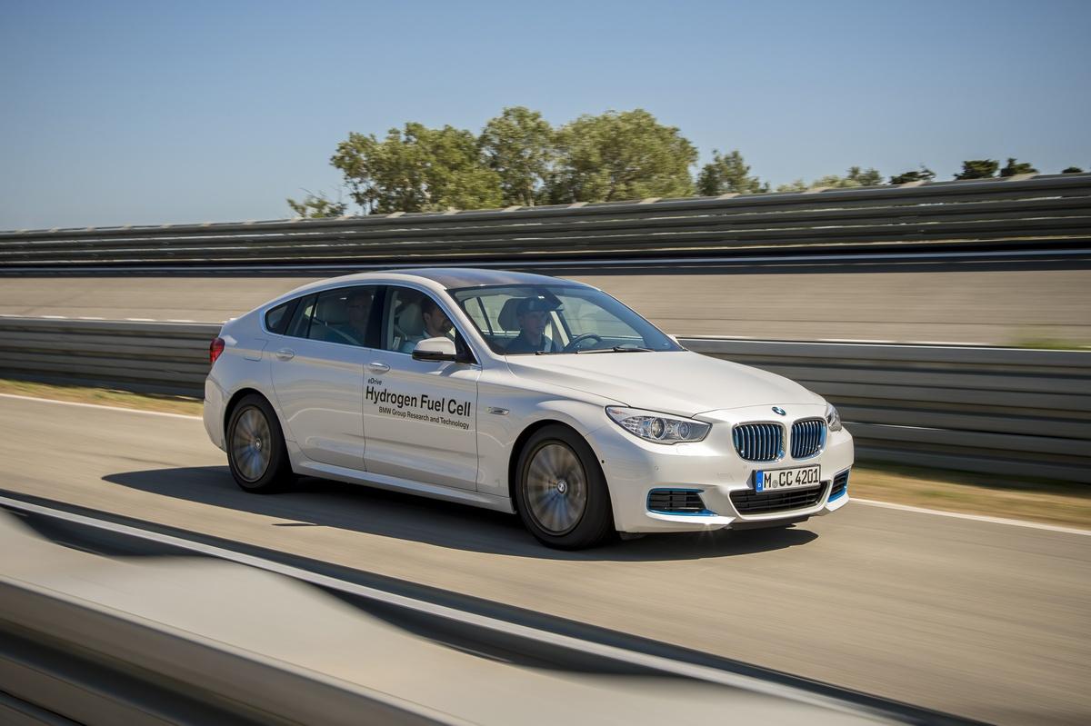 BMW Serie 5 GT 2015 01