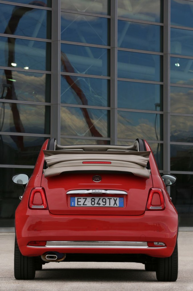 Fiat 500C 2015 trasera