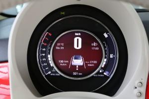 Fiat 500 2015 interior  10