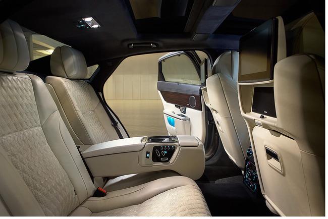 Jaguar XJ 2016 interior 02