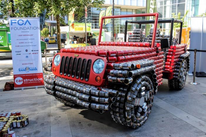 Jeep Wrangler latas comida 01