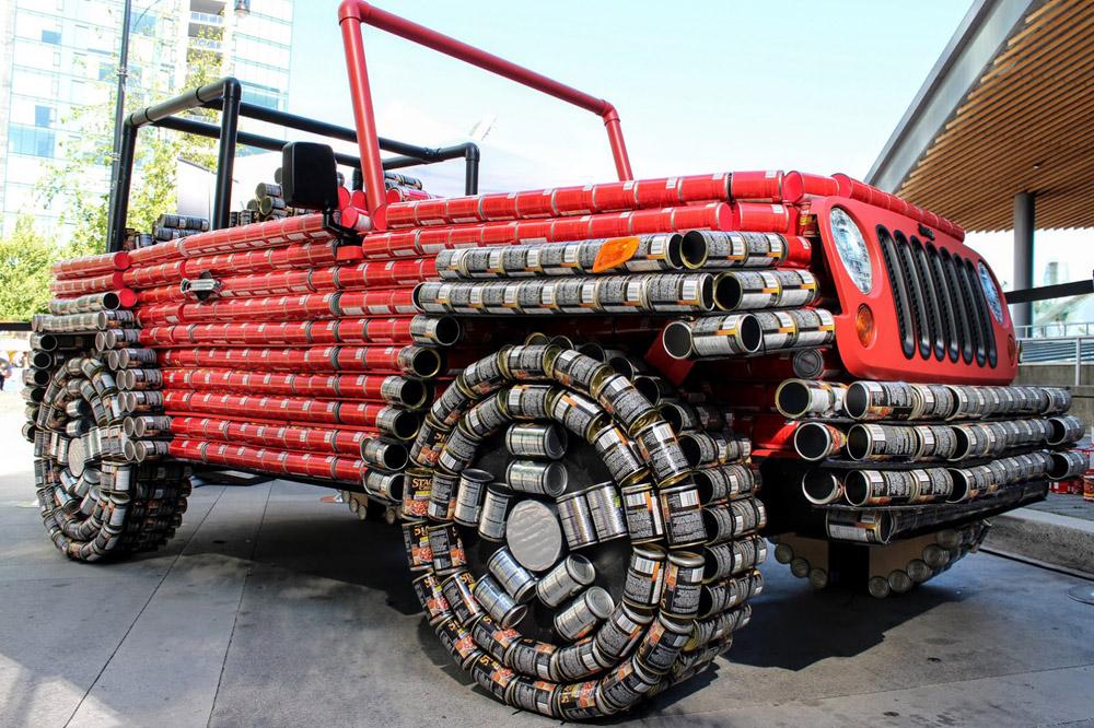 Jeep Wrangler latas comida 02