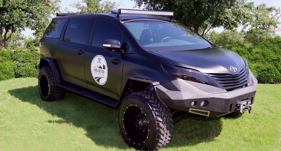 Toyota Ultimate Mitad Furgoneta Mitad Todoterreno