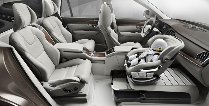 Volvo a ade seguridad y lujo a los asientos para ni os for Asientos infantiles coche