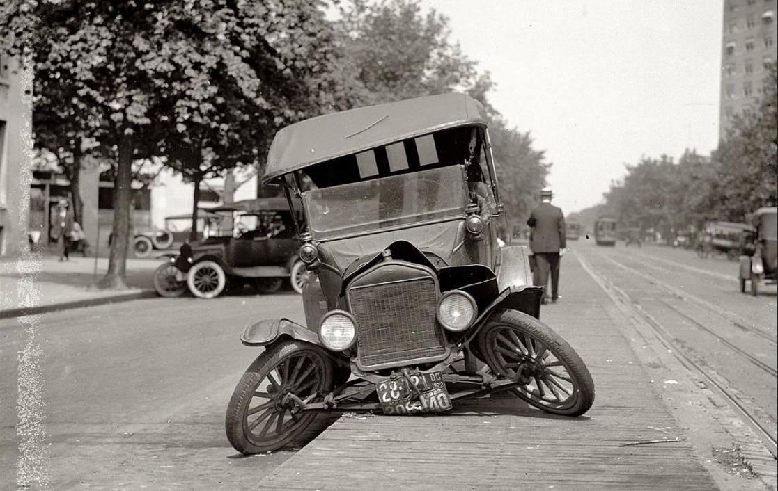 accidente coche clasico