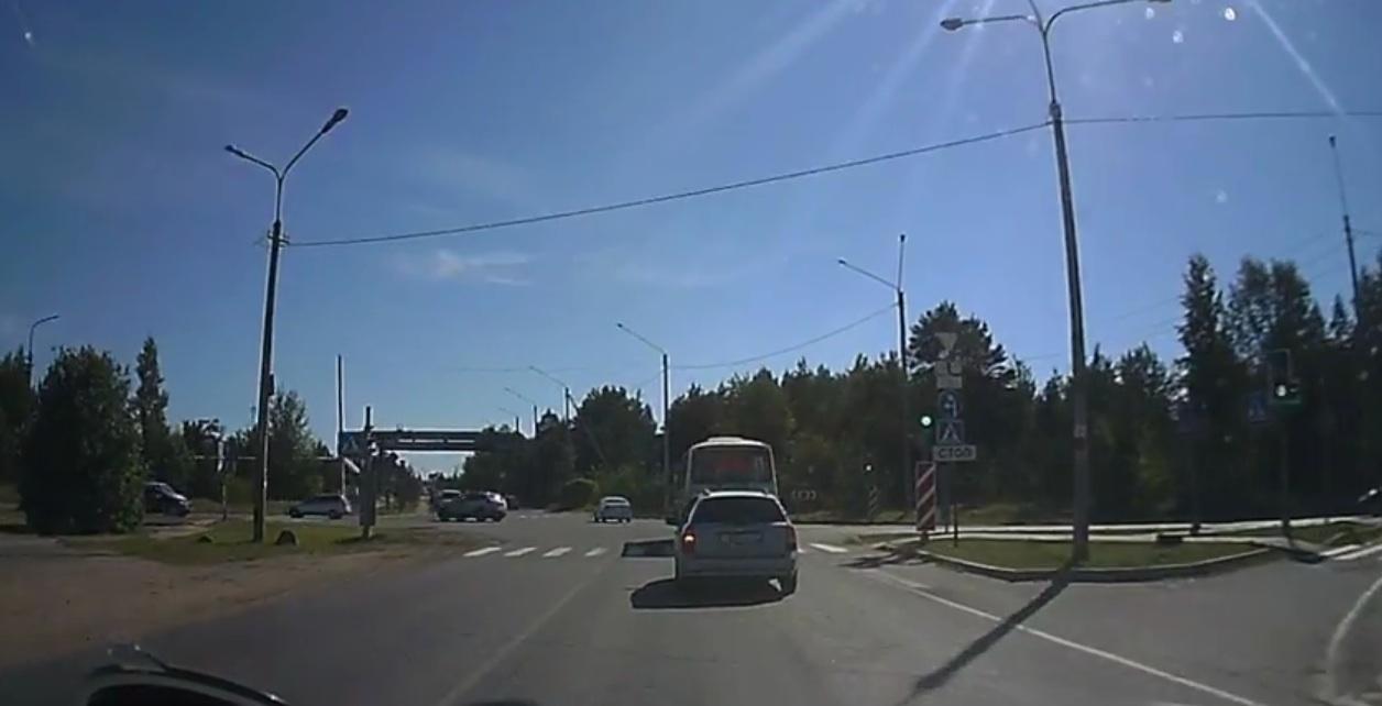 rusia peatones curiosos