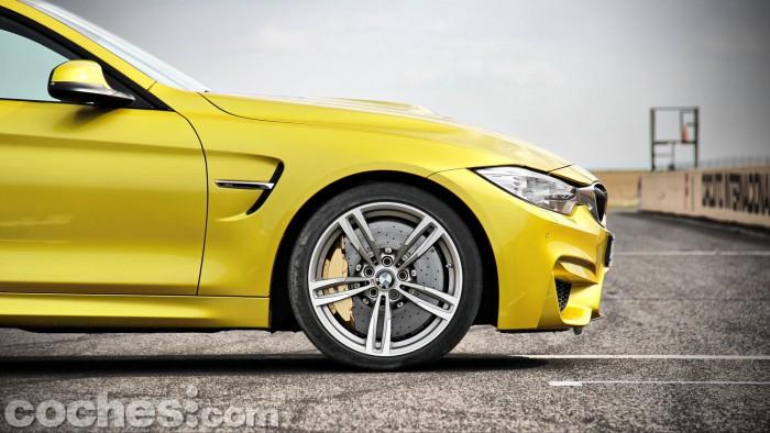 BMW_M4_Coupé_013