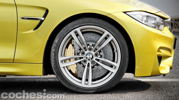 BMW_M4_Coupé_014
