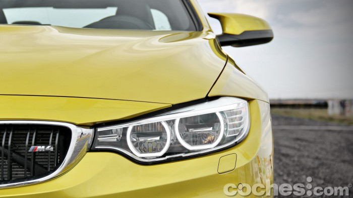 BMW_M4_Coupé_019