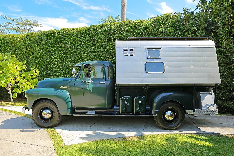 Chevrolet Camper 1952 01
