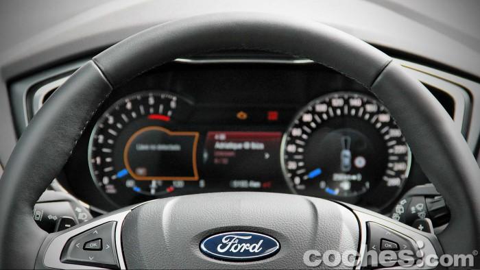Ford_Mondeo_Sportbreak_2.0TDCI_077