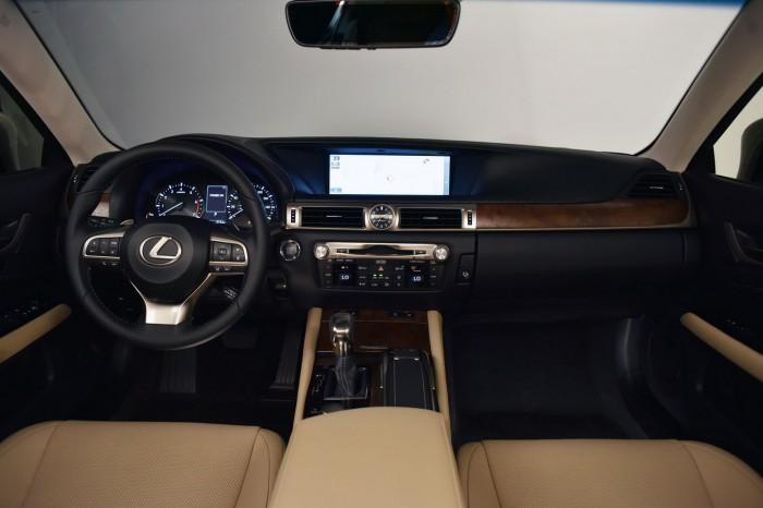 Lexus GS 2016 interior 01