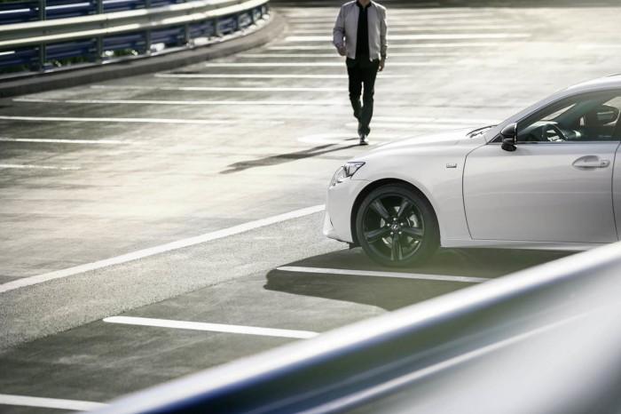 Lexus IS 300h Sport Edition 2015 03