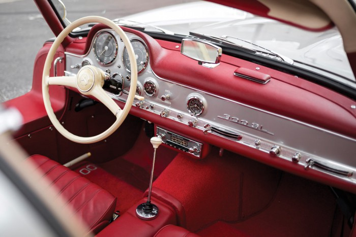 Mercedes-Benz 300 SL Alloy Gullwing interior 01