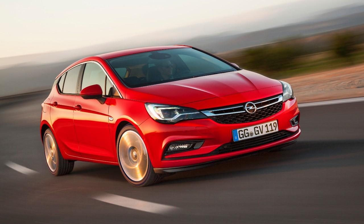 Opel Astra 2015 01