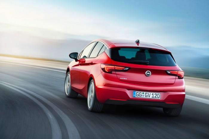 Opel Astra 2015 02