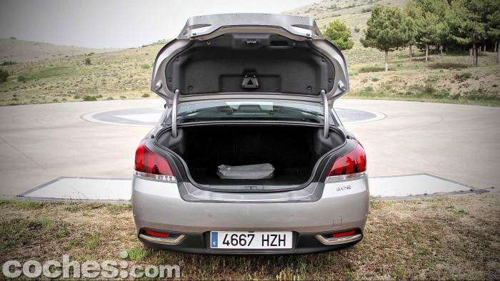 Peugeot_508_BlueHDi_048
