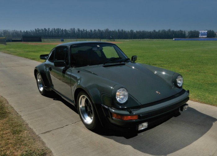 Porsche 930 Turbo Carrera