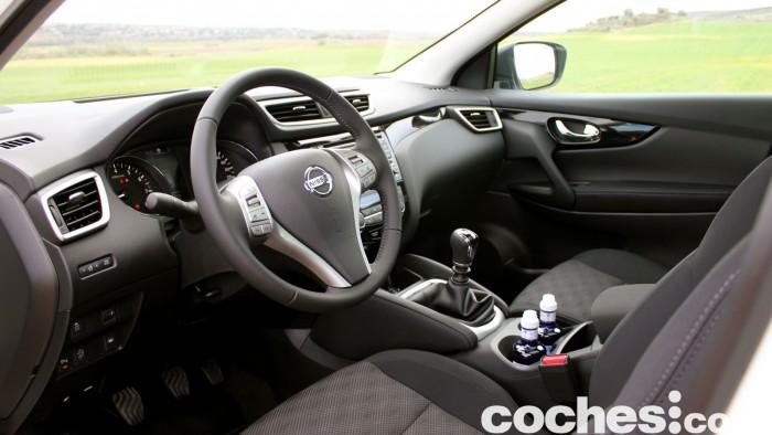 Prueba Nissan Qashqai DIG-T 163 CV 2015 interior 01