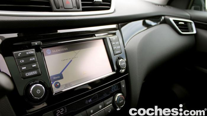 Prueba Nissan Qashqai DIG-T 163 CV 2015 interior 15